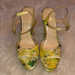 Summer floral Kate Spade New York heels 👠 ☀️ 🌸